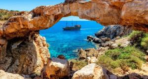 С 9 июня Кипр «перезапускает» туризм: туристам придётся доказывать «безопасность»